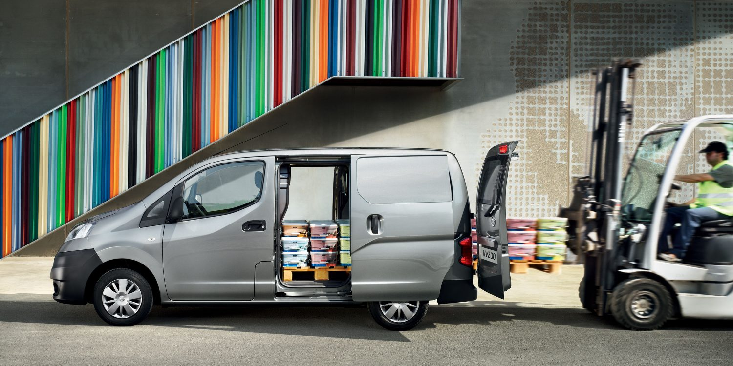 nv200-van-overview-all-access-loading-LHD-jpg-ximg-l_full_m-smart.jpg